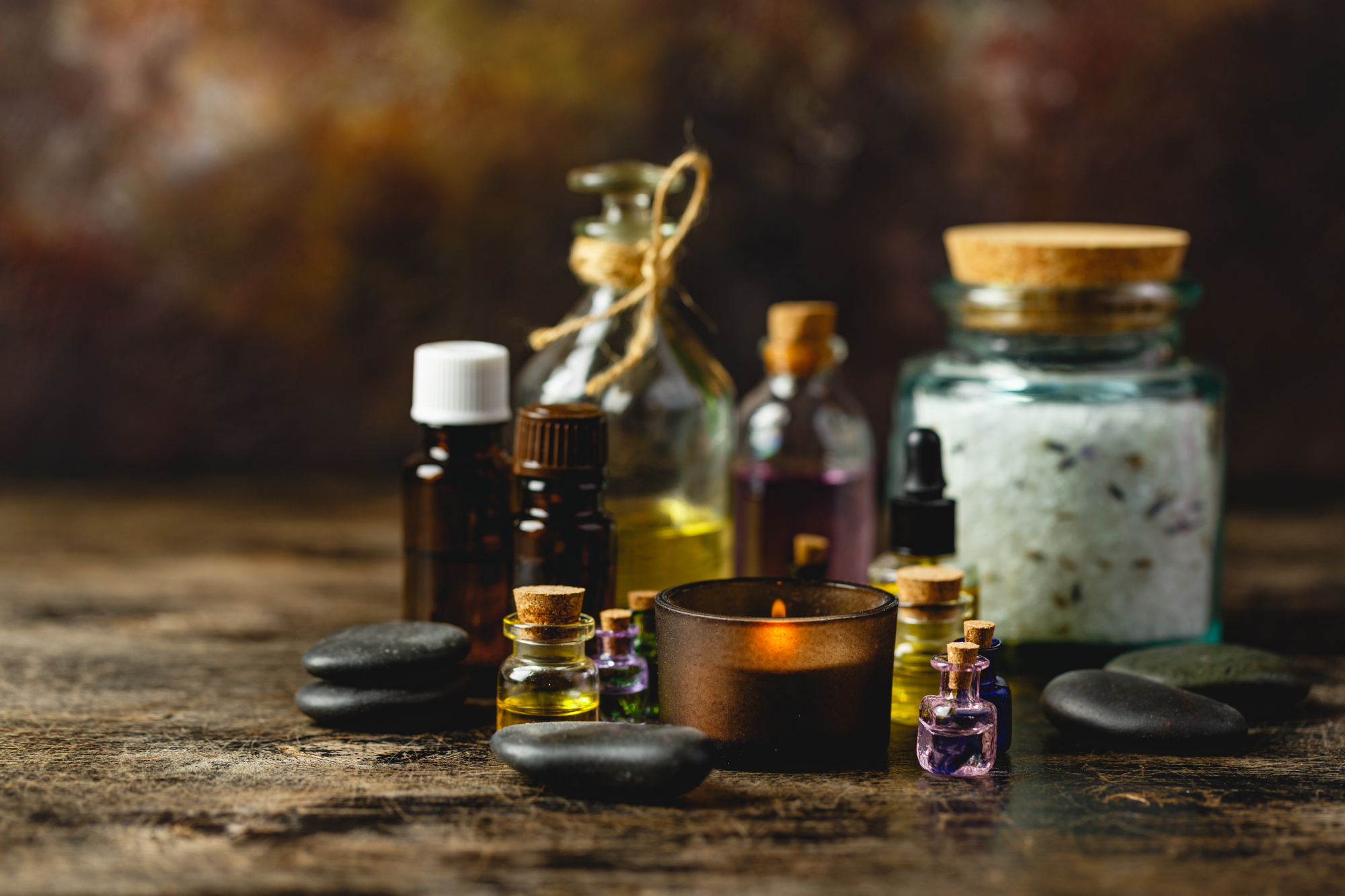 glass-bottles-with-aroma-oil-B6SS665